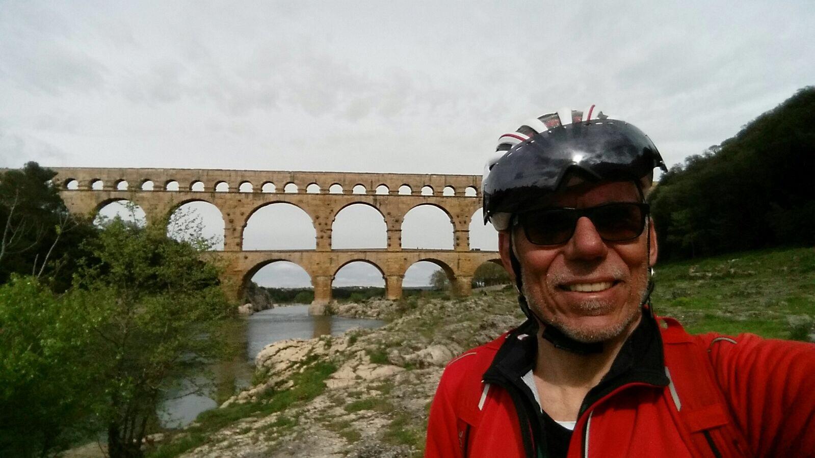 Lutz-bei-Pont-du-Gard-bei-Nimes